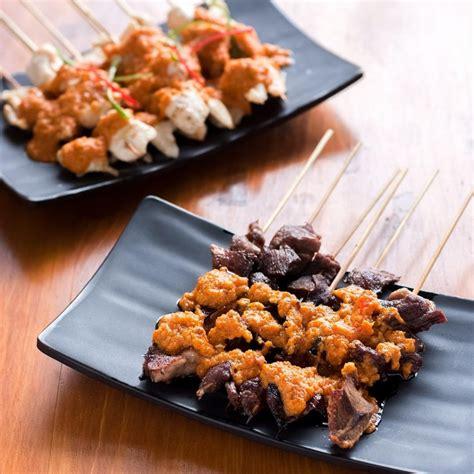 Sate Ayam 10 Tusuk Dan Lontongketupatnasi 10 sate taichan pedas yang akan membuatmu berkeringat