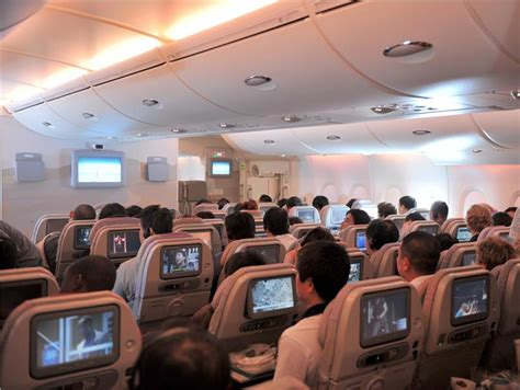 emirates airlines economy class emirates launches special offers on cheap flights