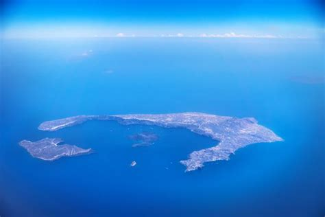 flights   greek island  santorini  coming