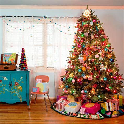 32 adornos y tendencias de arbol de navidad para decorar