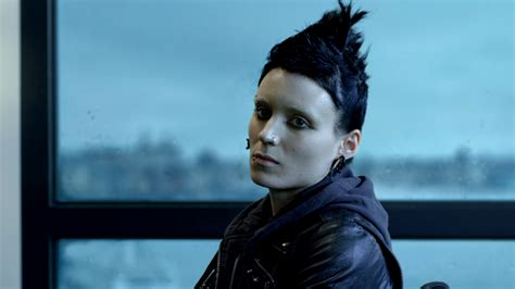 rooney mara the girl with the dragon tattoo beames on in defence of rooney mara s sensitive salander