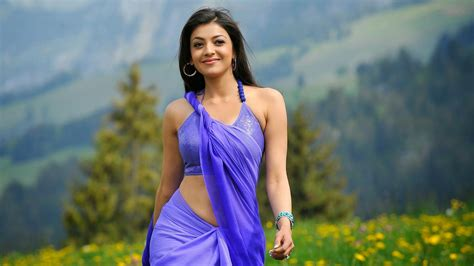 desktop themes bollywood actress kajal agarwal hot stills 247entertainment