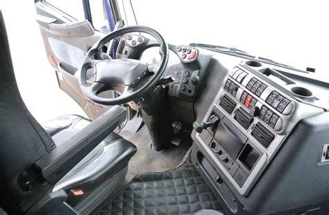 iveco stralis interni iveco stralis 560 adr usato trattore stradale