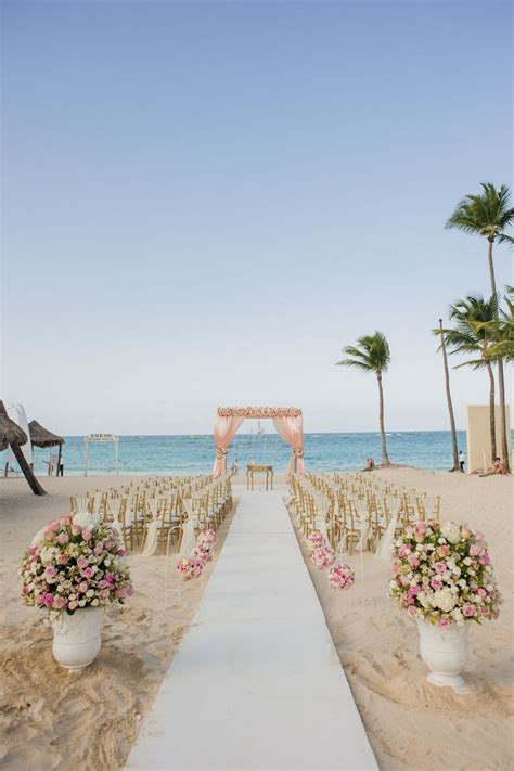 Best 25  Romantic beach ideas on Pinterest   Romantic