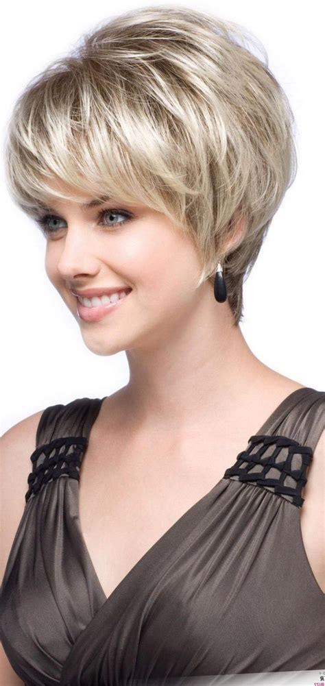 model coiffure courte femme les tendances mode du