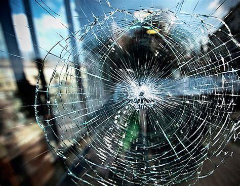 broken glass repair frankston broken window repairs frankston glass 0404