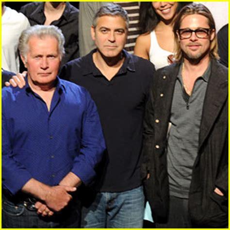 With Brad Pitt And Kevin Bacon Brad Pitt In 8 Live Rehearsal Pics Brad