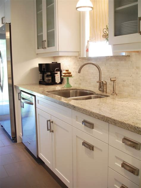White Kitchen Cabinets With Granite Countertops Kashmir White Granite Countertop Design Ideas