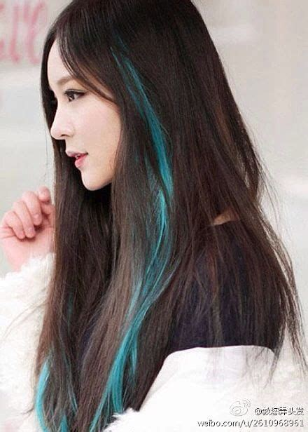 with blue streaks best 25 blue hair streaks ideas on blue