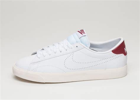 Nike Tennis Classic by Nike Tennis Classic Ac White White Chianti Asphaltgold