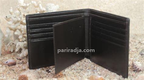Dompet Pria Kulit Biawak Luar Dan Dalam Warna Hitam dompet pria kulit ikan pari coklat gambar naga kerajinan