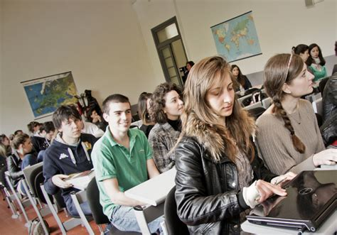 test ammissione accademia arti scienze turismo formazione e sbocchi studentville it