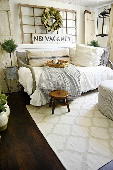 Diy Cozy Home Decorating best 20 farmhouse daybeds ideas on pinterest spare
