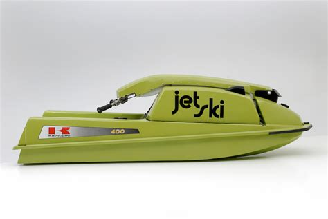 jet ski crashes into boat manic mondays jet sprint boat crashes into spectators
