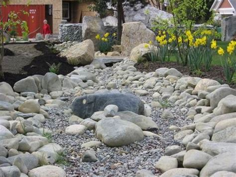 landscaping with river rock river rock garden ideas