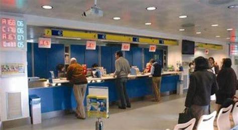 chiusure uffici postali scure sugli uffici postali in veneto quaranta chiusure
