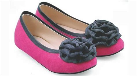 Sepatu Cewek Terbaru Sepatu Flatshoes K38 1000 ide tentang sepatu perempuan di semua bintang model sepatu dan sepatu