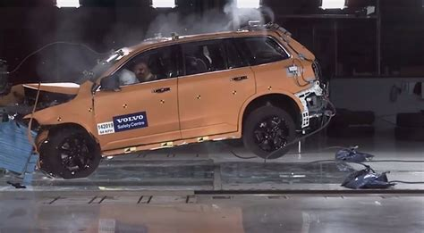 xc90 test 2015 volvo xc90 crash test footage reveals a very tough