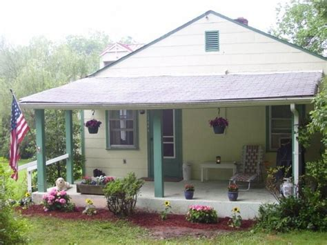 tiny houses for rent in virginia clifton va historic town in fairfax co cottage w lrge