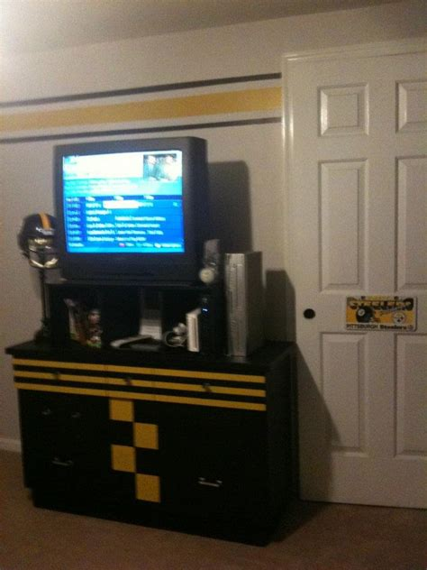 Steelers Room Decor by Steelers Room With Stripes And A Diy Dresser Paint