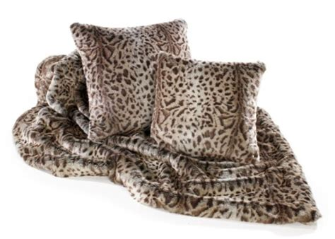 Fur Throws For Sofas by Pin By Throws Sofa Throws On Mink Faux Fur Throws At Www