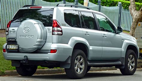 how cars engines work 2006 toyota land cruiser interior lighting file 2006 2009 toyota land cruiser prado kdj120r grande wagon 2011 03 10 jpg