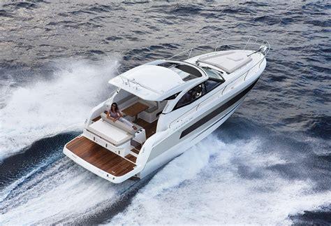 fast boat dubai duba 239 boat show jeanneau