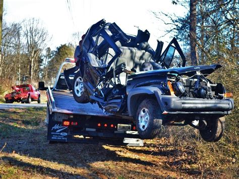 wrecked jeep liberty toccoa trapped for about 90 minutes in habersham