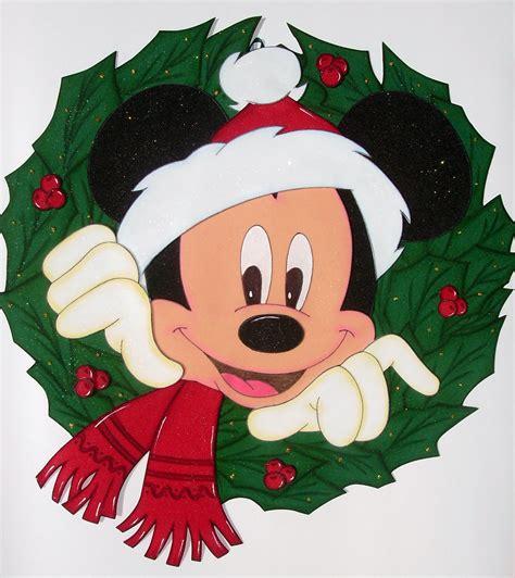 diy corona navide a de mickey mouse mickey s christmas wreath navidad con motivos de disney navidad pinterest de