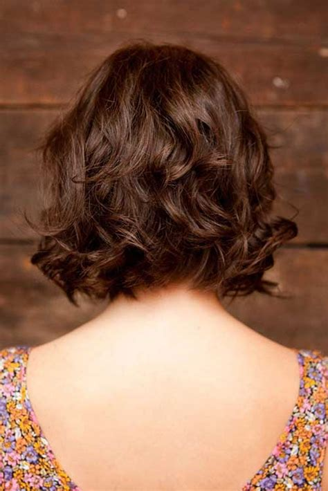 short hairhair straght on back curly on top 13 best short layered curly hair short hairstyles 2016