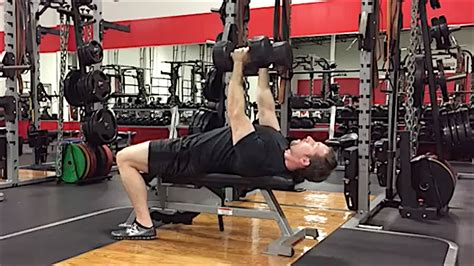 nfl players bench press this revolutionary exercise is helping nfl players improve their bench press strength