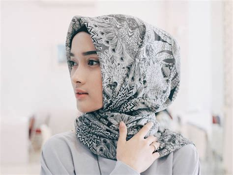 Jilbab Segi Empat Hasanah Segi Empat Motif Dan Polos Tersedia Juga Model