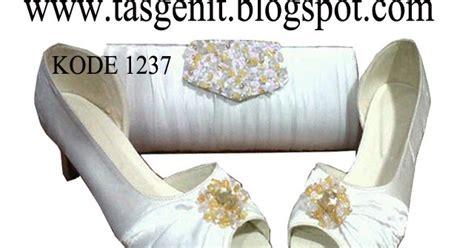 Sepatu Manolo Semipremium Heels 8 Cm Kain Satin Swaroski tas pesta dan sepatu pesta putih cantik untuk wedding
