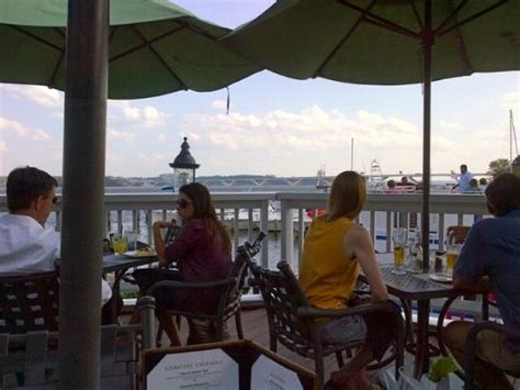 chart house restaurant the ambience of the area picture of chart house restaurant alexandria tripadvisor