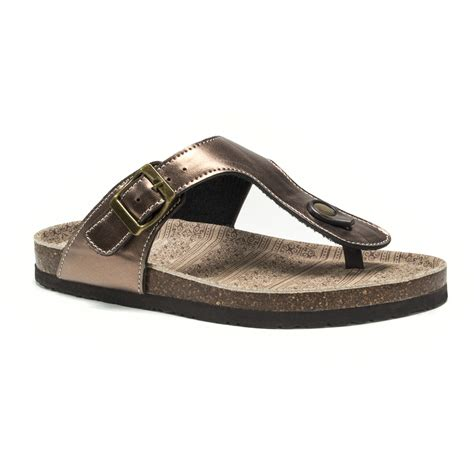 muk luks sandals muk luks 174 s bronze tina sandals clothing shoes