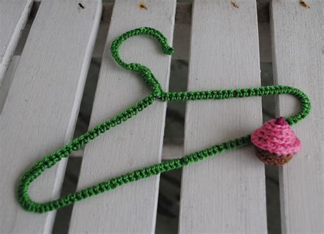 crochet pattern plastic clothes hanger pattern for crocheting around wooden hangers easy