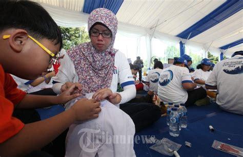 Jahit Seragam Jahit Kancing Seragam Untuk Anak Indonesia Foto 4