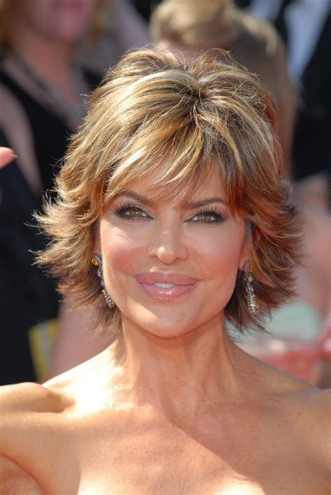 what is the texture of rinnas hair lisa rinna s hot shag hairstyle
