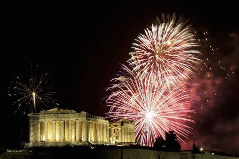 athens with celebrations in thisio will welcome the new