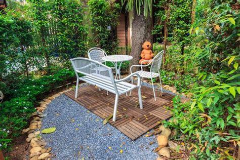 ideas para decorar casa y jardin 7 ideas para decorar un jard 237 n peque 241 o mejor con salud