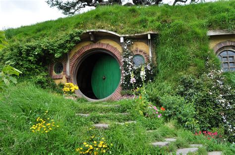 hobbit houses new zealand hobbit house 171 shrine of dreams