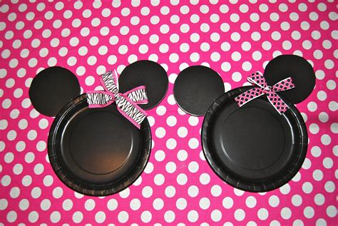 Minnie Mouse Decorations Diy by Items Similar To 10 Diy Minnie Mouse Plates On Etsy
