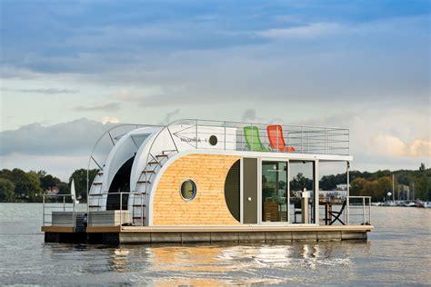buy houseboat buy houseboat casas flutuantes nautilus tamb 233 m a