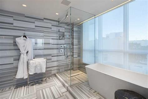 khloe kardashian bathroom the quot kourtney and khloe take miami quot penthouse is for sale