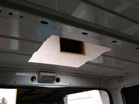 claraboya furgoneta proyecto equipar una furgoneta paso a paso viajeropedia