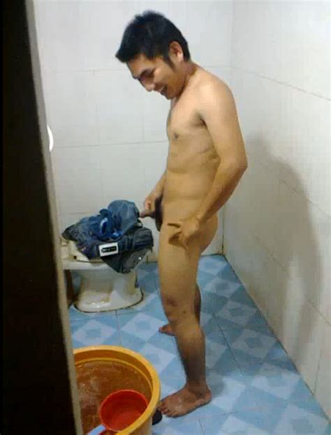 Ethnic Men Asian Vietnamese Guy Taking A Bath And Pissing