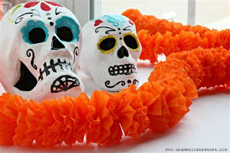 cadenas de flores de papel crepe una mexicana en usa guirnalda de quot flores de cempasuchil