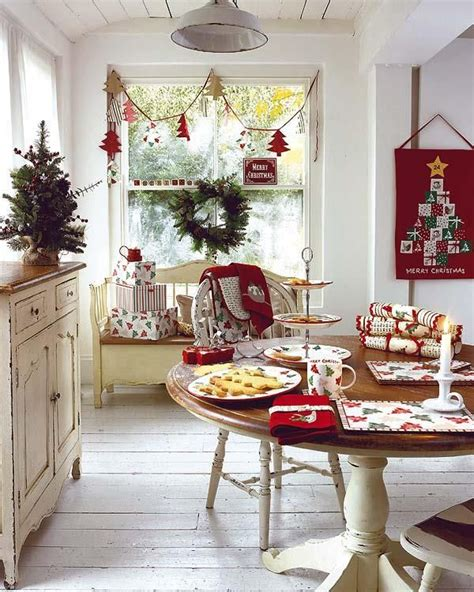 kitchen table decorating ideas 40 cozy christmas kitchen d 233 cor ideas digsdigs