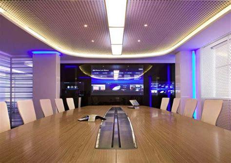tech room and board 思いっきり近未来感漂う イタリア ローマにあるibmオフィスの写真14枚 dna