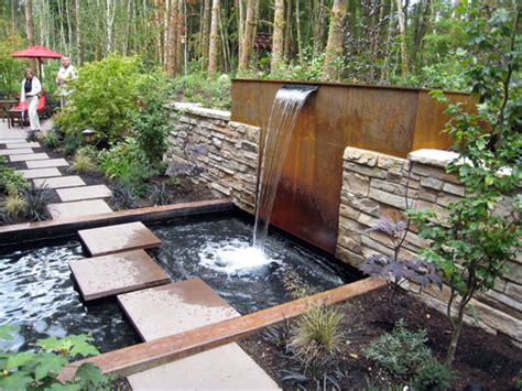 Backyard Ideas For Small Backyards Small Backyard Water Feature Ideas Marceladick